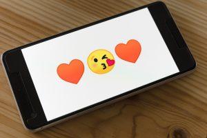 Significado-de-los-emojis-de-corazones-de-WhatsApp